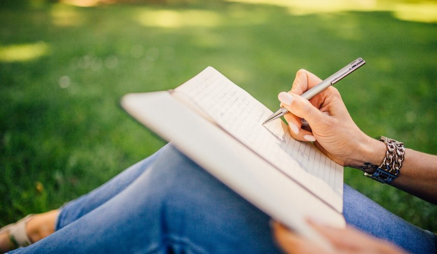 Stylos personnalisés : tous les moyens pour se procurer des stylo en quantité réduite